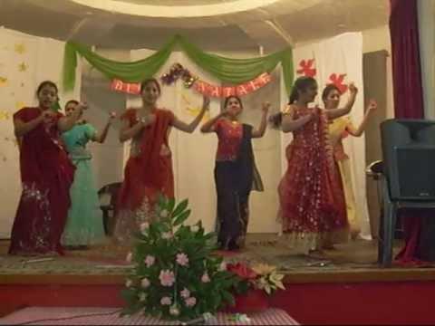 Dholi Taro Dhol Baaje dance