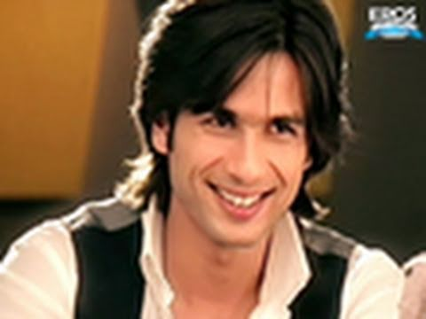 Shahid Impresses In An Official Interview - Paathshaala
