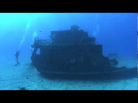 Scuba diving on Carib Cargo ship wreck - St. Maarten