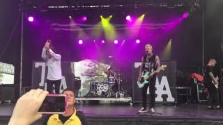 [LIVE] The Amity Affliction - All Fucked Up