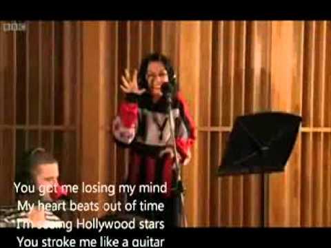 Jessie J - Domino Live + Lyrics
