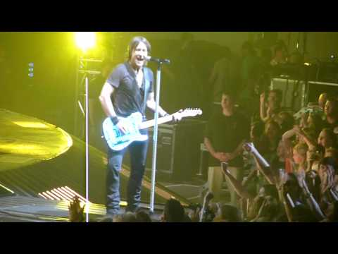 Keith Urban - Who Wouldn't Wanna Be Me - Jonesboro, AR