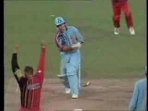 Heath Streak vs Darren Gough Zimbabwe Vs England