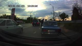 AK47 ends road rage in Russia - YouTube