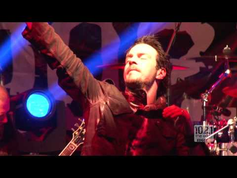 Three Days Grace - Never Too Late (Live @ The Edge)