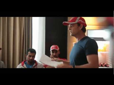 Adam Gilchrist giving a pep talk to the KXIP squad