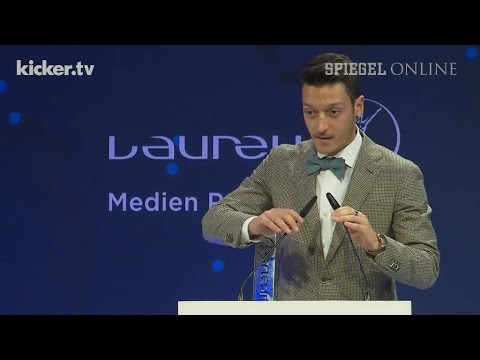 Ablenkung vom Familienkrach: Laureus Award für Mesut Özil