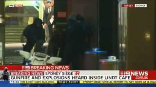 Armed Police Storm Sydney Cafe