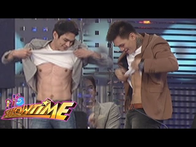 It's Showtime: Luke and Zeus show their abs!