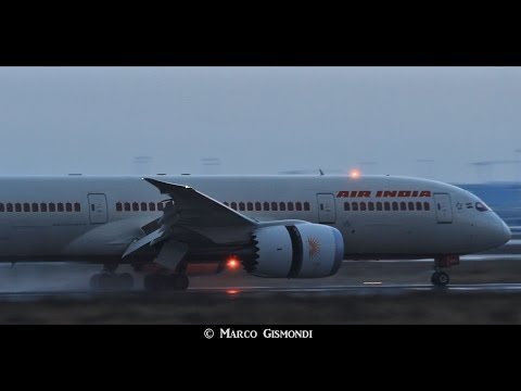 Air India 787 arrives with rain, departs with lightnings! Rome FCO