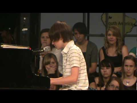 Greyson Chance Singing Paparazzi video