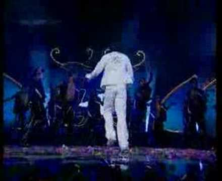 Allu Arjun Dance In Hyderabad video