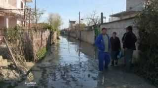 Erupcije gasa uništile selo u Albaniji/Fracking in Albanien – Familien mussten evakuiert werden, Häu