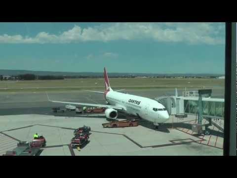 Qantas QF752: Adelaide to Sydney (737-800 Economy Class)