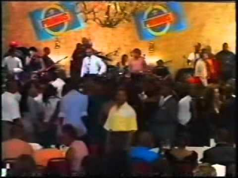 JB Mpiana et Wenge BCBG – Concert – Grand Hotel