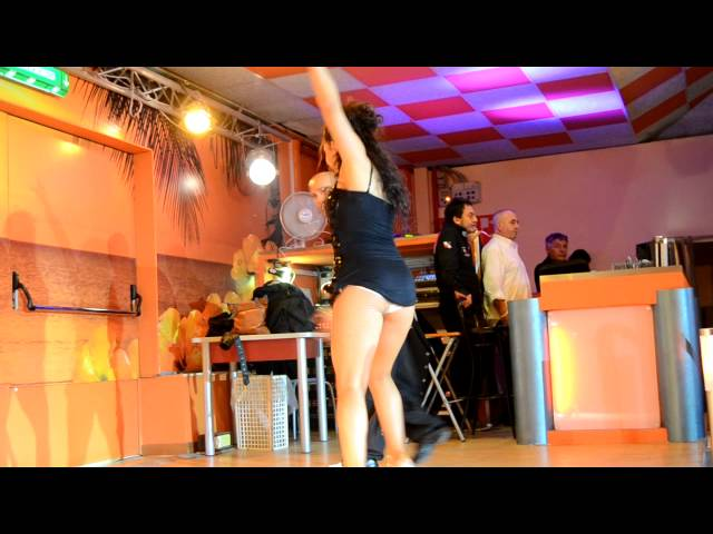Laura Gambardella : Latin dance music video show in Rome