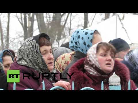 Ukraine: Protesters face off over religious feud