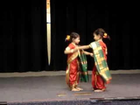Komal & Ketki Performing To Aika Dajiba video