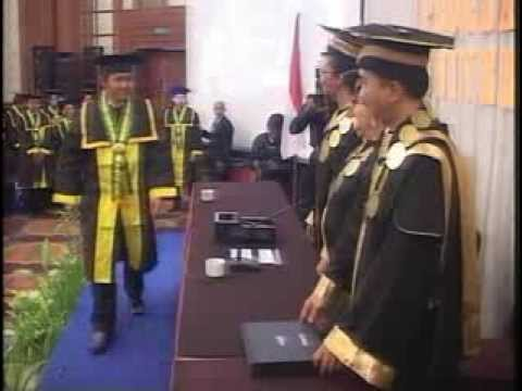 Wisuda Ke Xxx Universitas Aki 2013 - Dvd Rip video