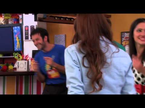 Angie y las chicas cantan ¨Veo Veo¨ | Momento Musical | Violetta