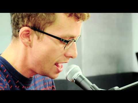 7-Dollar-Taxi-Sänger Tizian von Arx «Clint Eastwood»» - SRF 3 Live Session