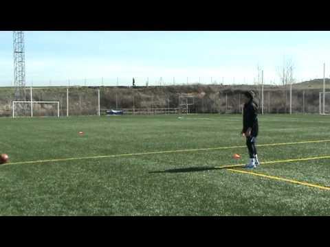 Daniel entrena el pase corto con Jordano