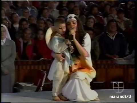 Ana Barbara canta las mañanitas a la Virgen de Guadalupe