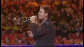 """Cliff Richard- """"OUR FATHER In Heaven / Millennium Prayer"""" ~Lord's Prayer LIVE! Concert Performance"""