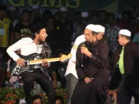 Download Lagu Ustaz Azhar Idrus dan Zizan Raja Lawak - Countdown 2012 (Part 9) MP3 Free