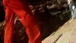 Sexy Priyanka & Akshay hot song
