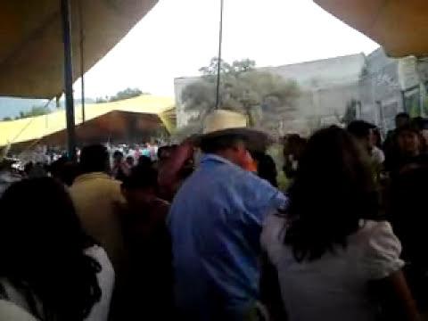 LOS SANGUINARIOS BALACERA EN SANTA MARIA AZTAHUACAN 2010