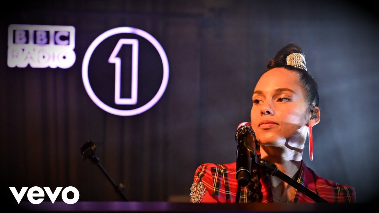 Alicia Keys - 「BBC Radio 1 Live Lounge」にて新譜「Alicia」から