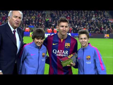 Trofeo y ovación para Messi en el Camp Nou