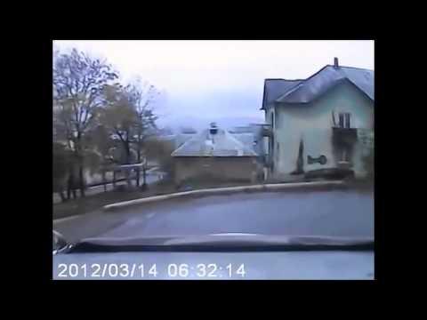 Rusai gaudo šerną mieste!