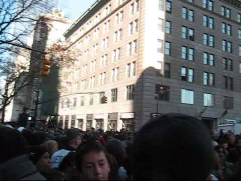 mark teixeira wallpaper yankees. Crowd at New York Yankees Tinkertape Parade