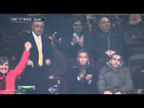 Keisuke Honda Celebrate 100th goal of Kaka at Milan vs Atalanta