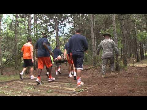 Syracuse Football and Fort Drum Soldiers on Team Building - Syracuse Football