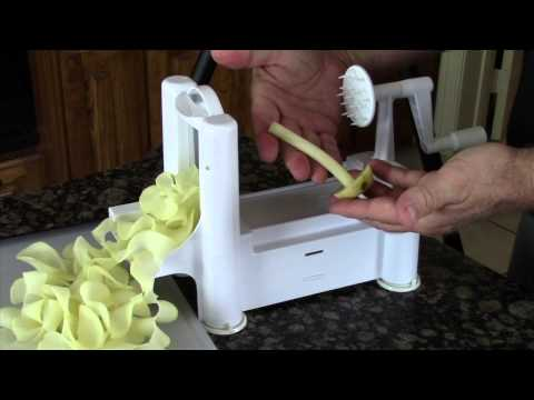 Paderno World Cuisine A4982799 Tri Blade Plastic Spiral Vegetable Slicer 2