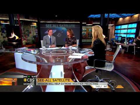 Norah O'Donnell and Megan Glaros - leggy news team - Feb 28, 2014