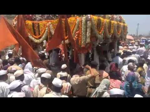 Sant Dnyaneshwar Maharaj Palkhi Travel With Lakhs Of Warkaris video