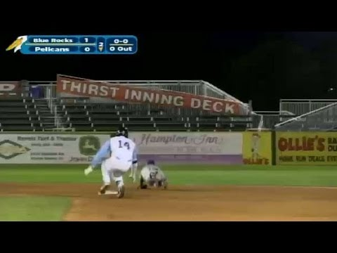 Joey Gallo doubles for the Pelicans