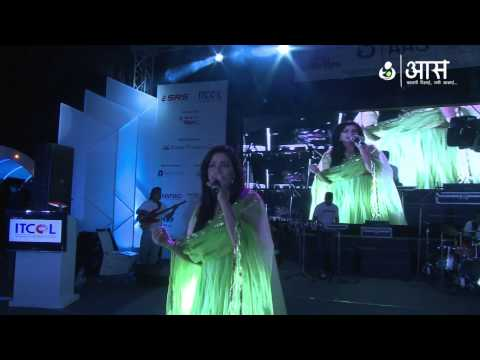 Thode Badmash by Shreya Ghoshal ( AAS Housewives Awards 2012...