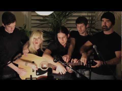 Somebody That I Used to Know   Walk off the Earth (Gotye   Cover) subtitulada ingles y español Music Videos