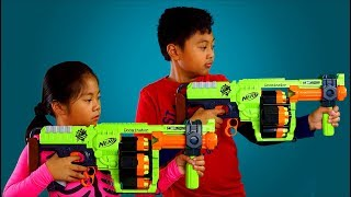 "NERF ZOMBIESTRIKE DOOMINATOR from Toys""R""Us 