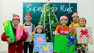 Kids Go To School 🎄How WE do Christmas Tree decorations Merry Christmas Song Nursery Rhyme