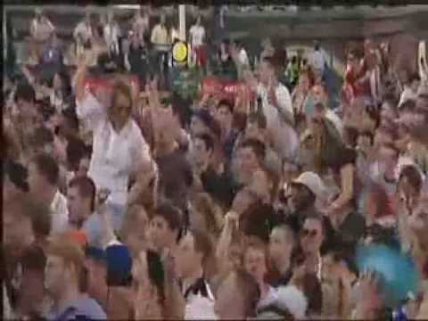 YouTube - Fatboy Slim Gig At Brighton Beach 250000 People