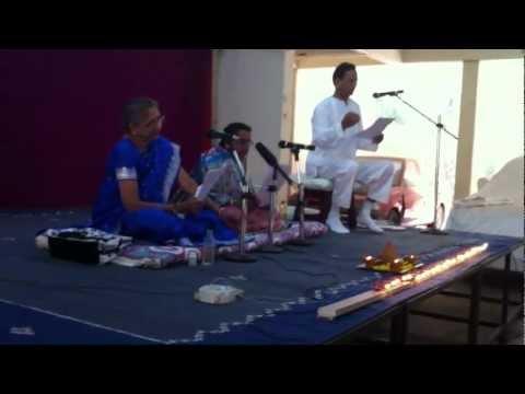 Athashri Hadapsar Diwali Pahat : Aamachya ghari an tumchya ghari...