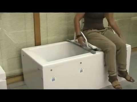 Silla higienica para ba era silla de ba o giratoria 360 for Modelos de baneras para bano