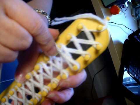 Tejer bufanda en telar rectangular / Loom knitting a scarf