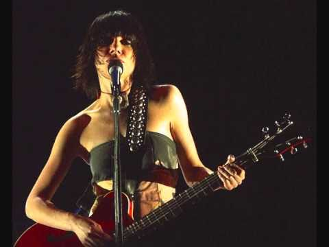 PJ Harvey-Who Will Love Me Now+ Lyrics.